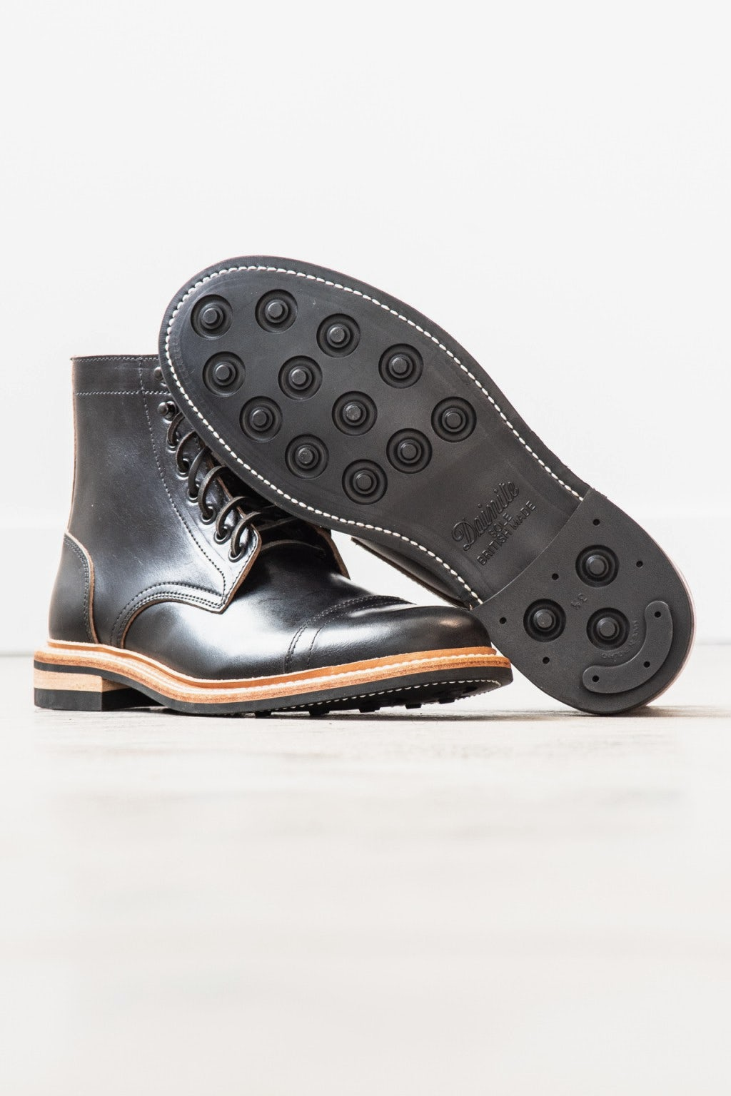 Oak Street Bootmakers Cap-Toe Trench Boot Black Chromexcel