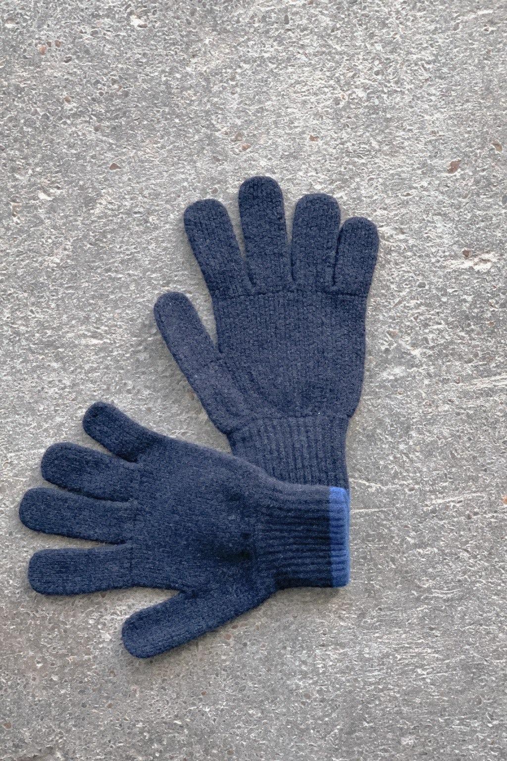 Howlin' Wind it Up Glove Navy