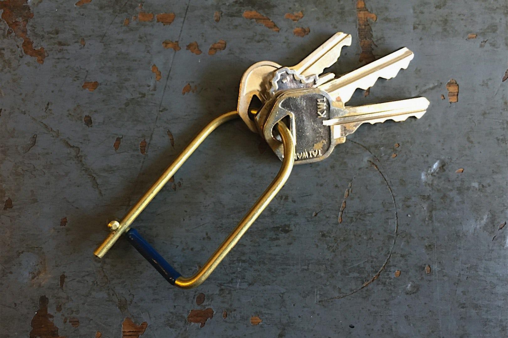 Craighill Wilson Enameled Keyring Black Enameled Brass